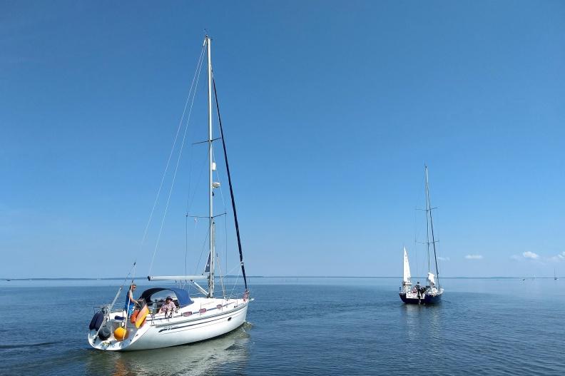 Segelboote auf dem Stettiner Haff.jpg