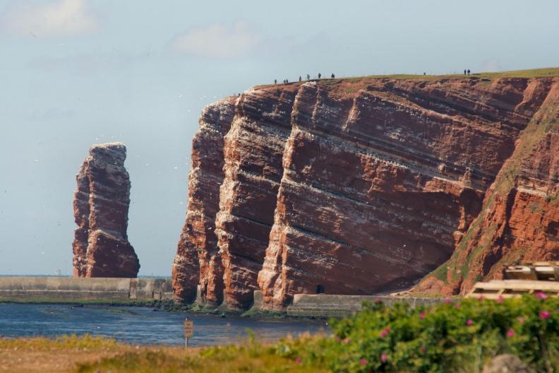 Helgoländer Klippen mit der langen Anna.jpg