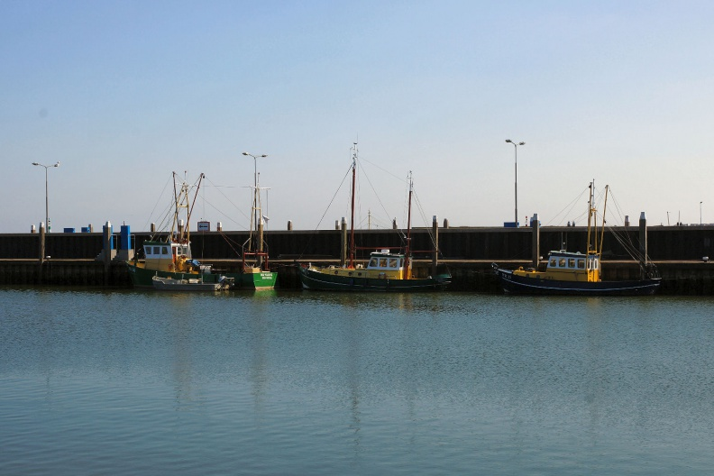 Schiffe im Hafen von Den Oever.jpg