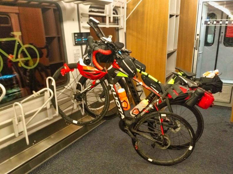Unsere Räder im Zug.jpg