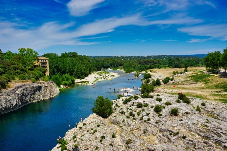 Blick über den Fluss Gardon.jpg